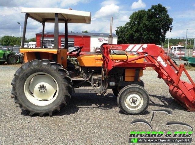 tracteur agricole renault 461s vendre sur ricard. Black Bedroom Furniture Sets. Home Design Ideas